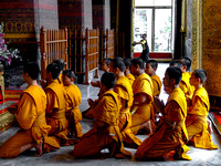 Monks at Wat Pho Bangkok 4
