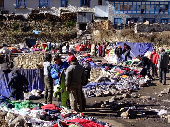 Namchee Bazaar on the way down