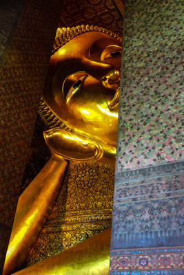 Reclinging Buddha in Thailand