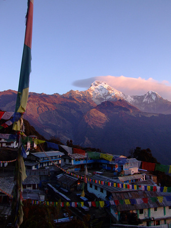 Sunrise in Tadopani on the Annapurna Circuit