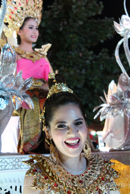 Smiling lady at Loi Krathong Parade
