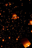 Floating Sky Lanterns during Yee Peng in Chiang Mai, Thailand