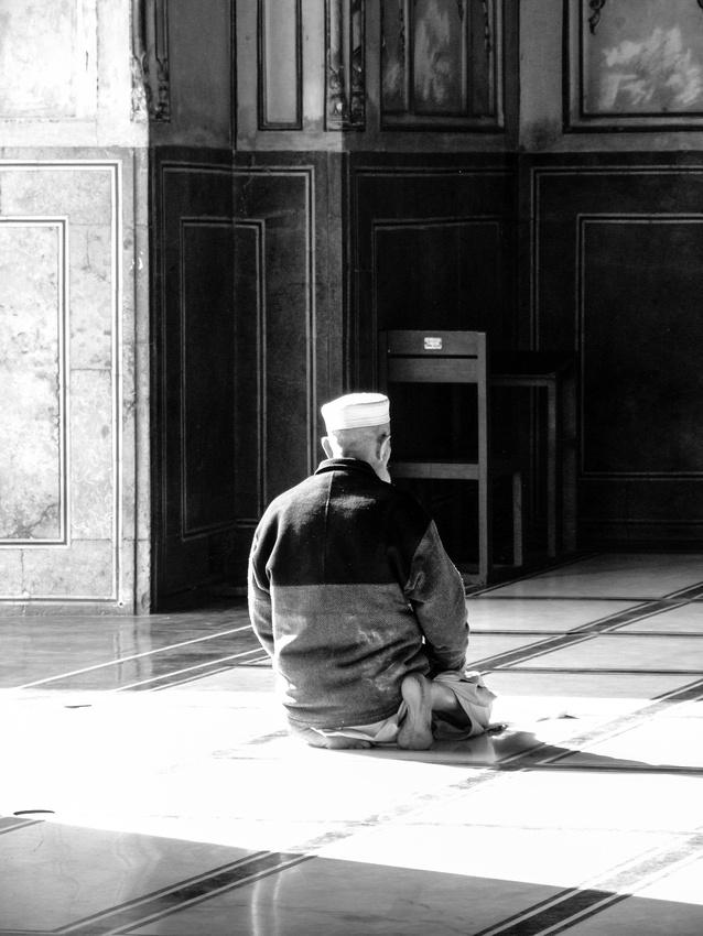 Man praying in Pakistan