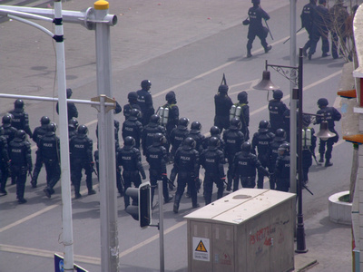 Chinese riot police in Tibet
