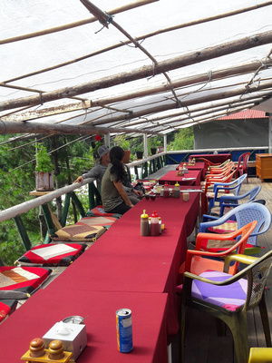 typical outside dining area at a trekking lodge