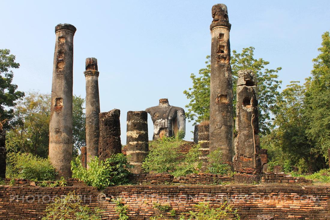 Temple ruins at Wat Sangkawat