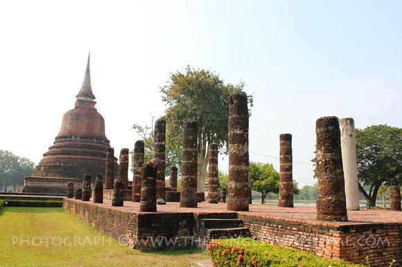 Wat Sra Sri And Tra Pang Tra Kua