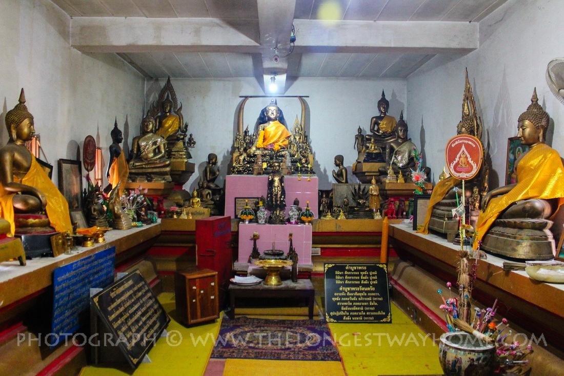 Diamond eyed Buddha chamber inside Luang Pho Petch