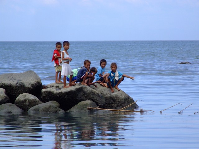Children fishing in Davao