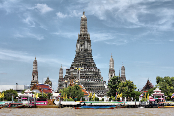 Wat Arun from the Chao Phraya River, Bangkok, Thailand (click to enlarge)
